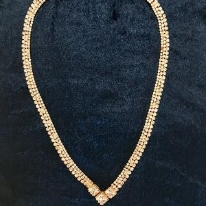 💎Gold toned cubic zirconia necklace💎